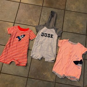 Set of Carters rompers size 18 months